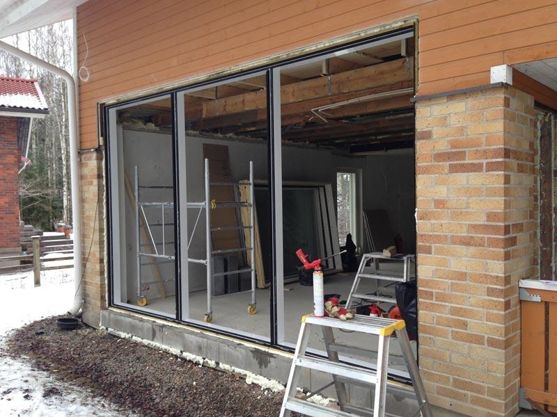 Uuden ikkunan Purson alumiinikehykset valmiina.